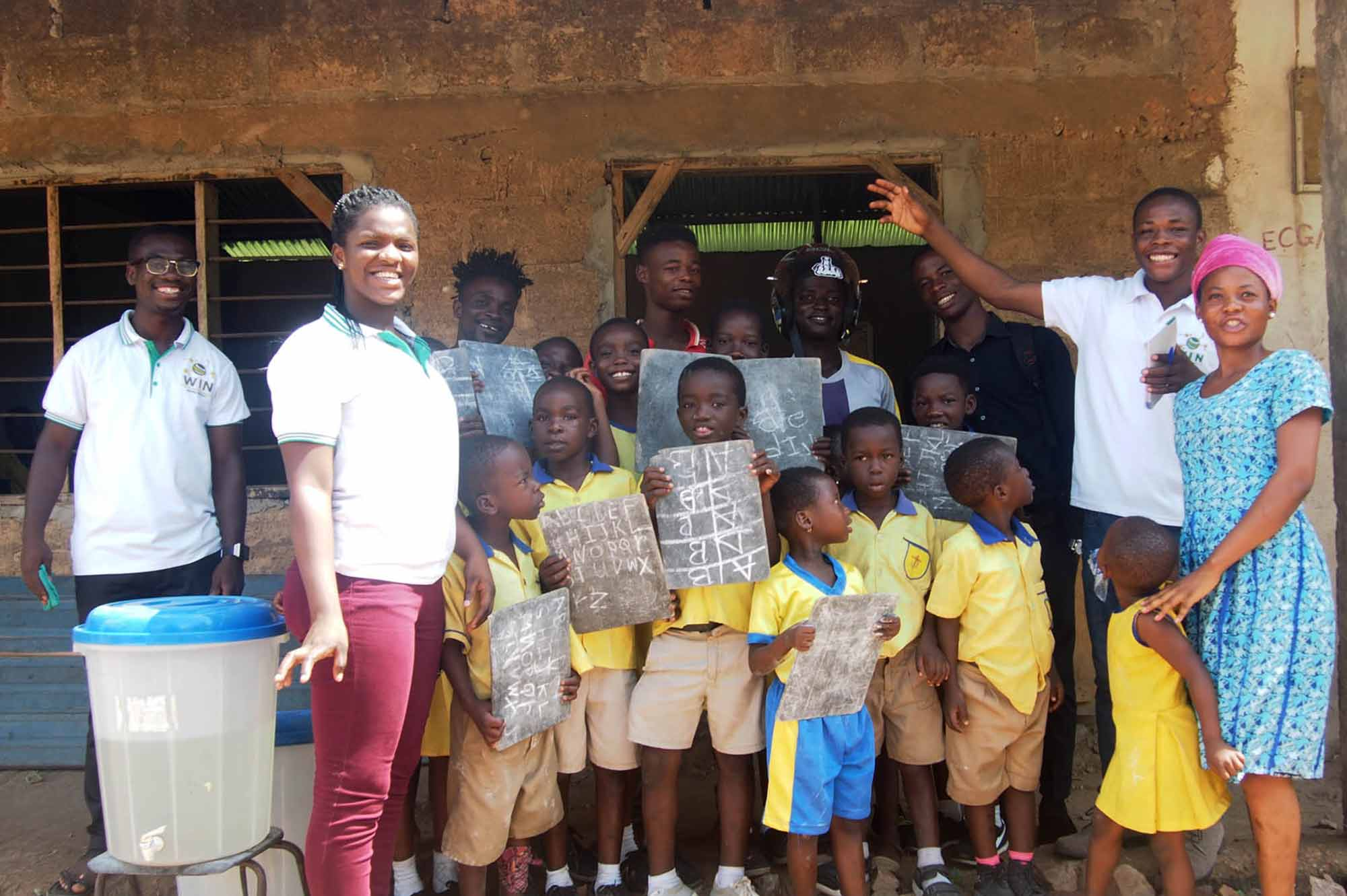 Donation of Bags to Pupil of Osunu Dompe Primary School by World Inspiring Network